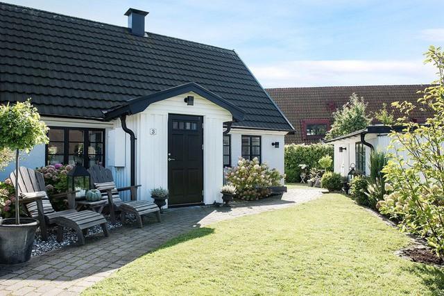 Ngôi nhà vườn với những góc nhìn chan hòa ánh nắng và cây xanh ở chốn ngoại ô trong lành - Ảnh 2.