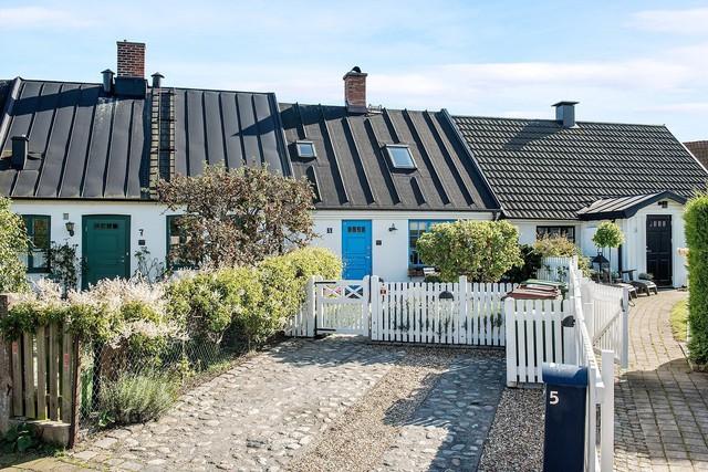 Ngôi nhà vườn với những góc nhìn chan hòa ánh nắng và cây xanh ở chốn ngoại ô trong lành - Ảnh 14.