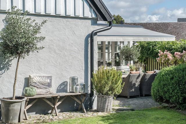 Ngôi nhà vườn với những góc nhìn chan hòa ánh nắng và cây xanh ở chốn ngoại ô trong lành - Ảnh 16.