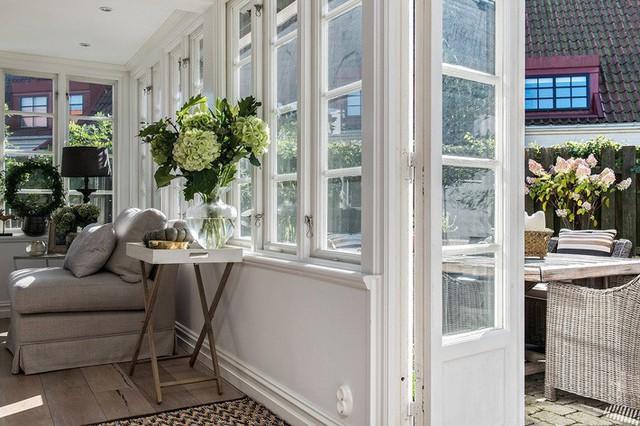 Ngôi nhà vườn với những góc nhìn chan hòa ánh nắng và cây xanh ở chốn ngoại ô trong lành - Ảnh 6.