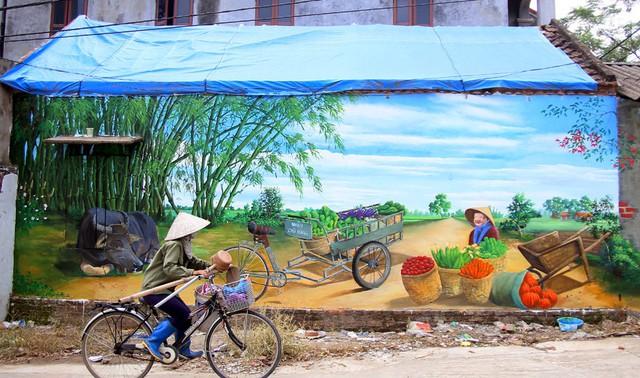 Đột nhập làng bích họa đẹp nao lòng đầu tiên ở Hà Nội khiến nhiều người mê mẩn - Ảnh 3.
