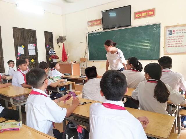 Hàng trăm học sinh Hải Phòng không còn phải ngồi chơi trong giờ tiếng Anh - Ảnh 3.