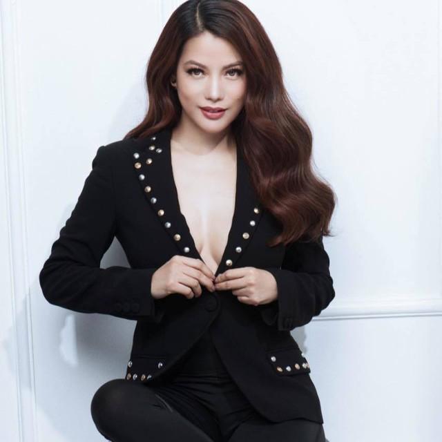 Trương Ngọc Ánh tuổi 43 vẫn sexy nghẹt thở - Ảnh 6.
