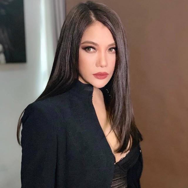 Trương Ngọc Ánh tuổi 43 vẫn sexy nghẹt thở - Ảnh 8.