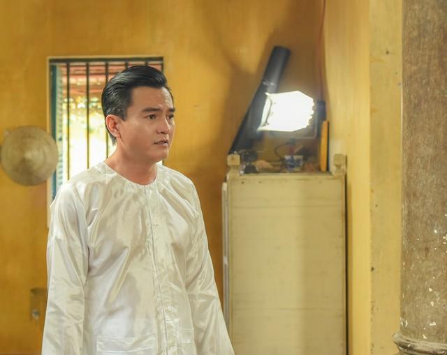 Tiếng sét trong mưa: Cao Minh Đạt cưới vợ kém 8 tuổi, khao khát có con ở tuổi 44 và nỗi sợ bà xã xem cảnh nóng - Ảnh 2.