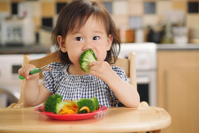 Gợi ý 4 thực đơn kết hợp bữa phụ tiện lợi lại thơm ngon cho bé 1 - 3 tuổi - Ảnh 1.