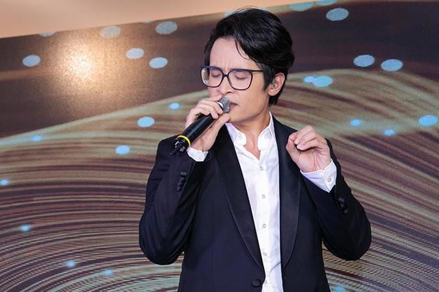 Sau sự cố cháy vé liveshow, Hà Anh Tuấn khiến fan bấn loạn - Ảnh 3.