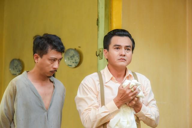 Tiếng sét trong mưa: Cao Minh Đạt cưới vợ kém 8 tuổi, khao khát có con ở tuổi 44 và nỗi sợ bà xã xem cảnh nóng - Ảnh 6.