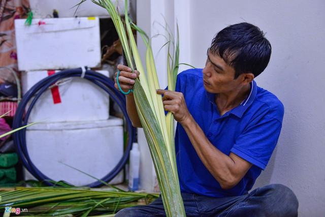 Kiếm tiền triệu mỗi ngày từ nghề đan lá dừa - Ảnh 6.