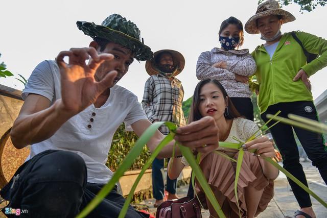 Kiếm tiền triệu mỗi ngày từ nghề đan lá dừa - Ảnh 9.