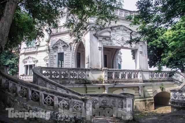 Vẻ đẹp của thư viện nằm trong biệt thự hơn 100 tuổi - Ảnh 2.