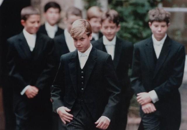Hoàng tử William bị bạn trêu chọc vì mẹ ngực nhỏ - Ảnh 3.