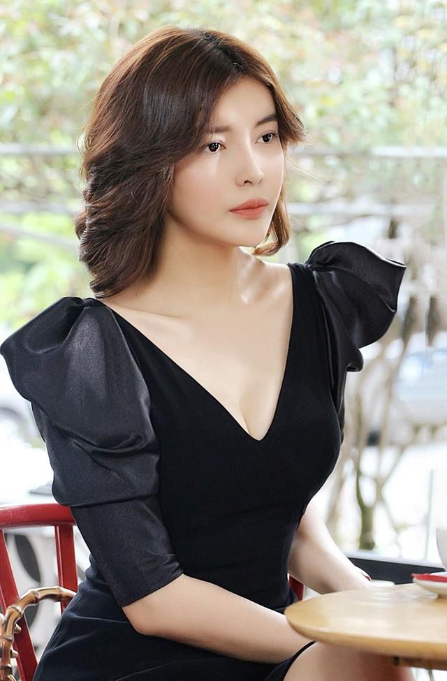 Cao Thái Hà: Tôi sợ khi xem lại cảnh nóng với Hứa Minh Đạt - Ảnh 4.