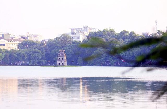 Ngất ngây với những vạt nắng cuối chiều ngày đầu thu trong vắt ở Hà Nội - Ảnh 14.