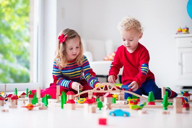 Lựa chọn đồ chơi phù hợp với trẻ  - Ảnh 1.