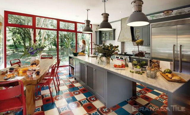 Những ý tưởng lát sàn, ốp tường lạ mà đẹp cho nhà bếp có thể bạn chưa nghĩ tới - Ảnh 3.