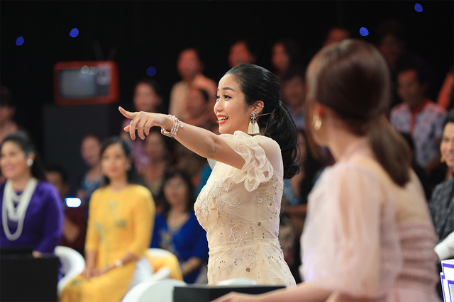 Ký ức vui vẻ: Lặng người khi Lam Trường kể chuyện lén nhìn Ngọc Sơn hát, cầm micro mà run tay muốn đánh rơi - Ảnh 5.