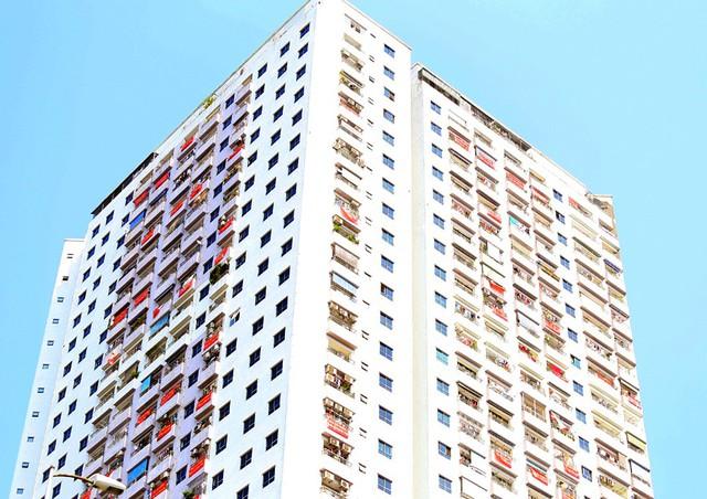 Hơn 4 năm chưa được cấp sổ hồng, cư dân VP6 Linh Đàm treo băng rôn nhuộm đỏ ban công - Ảnh 9.