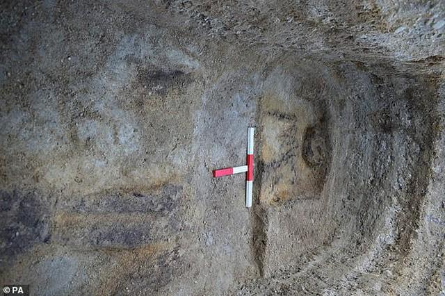 Phát hiện rùng rợn về ngôi mộ của hồn ma 1.400 tuổi - Ảnh 1.
