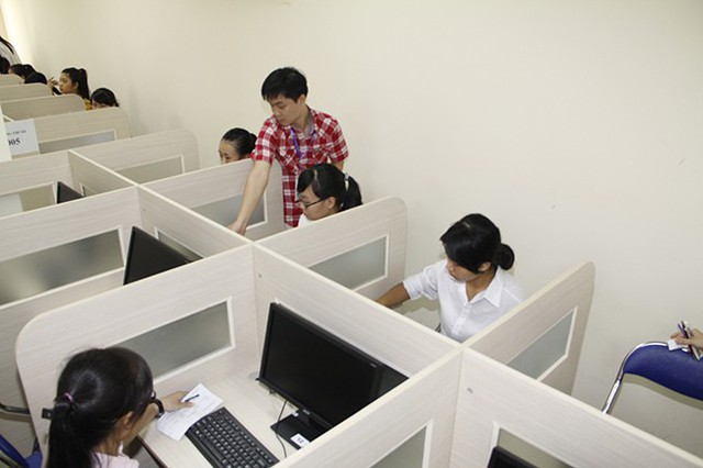Thi THPT Quốc gia trên máy tính: Kết quả có luôn sau khi thi - Ảnh 1.