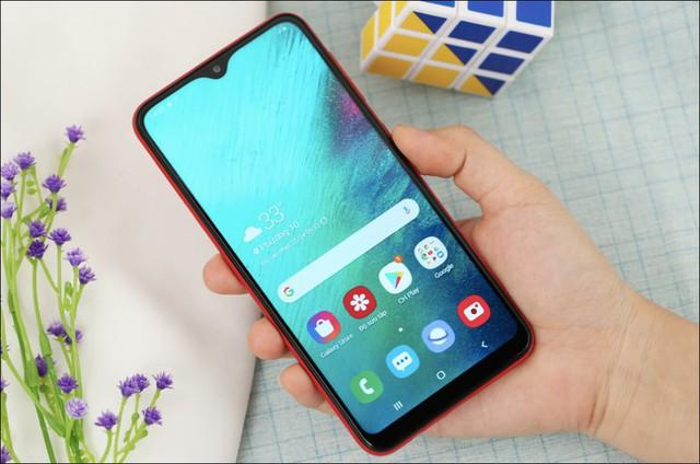 Chân dung 10 smartphone bán chạy nhất tại Việt Nam - Ảnh 1.