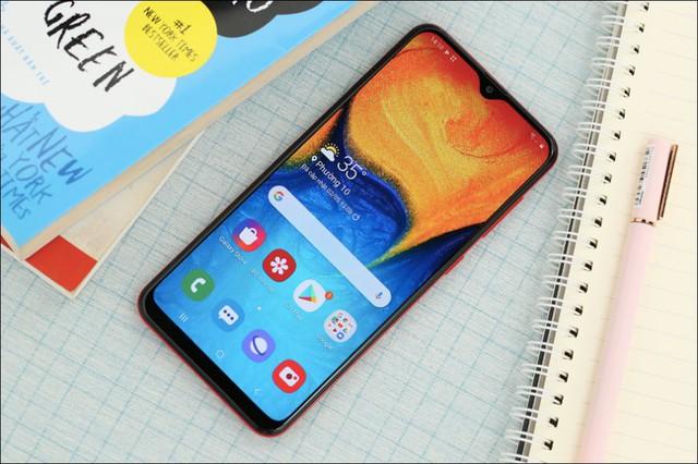 Chân dung 10 smartphone bán chạy nhất tại Việt Nam - Ảnh 3.