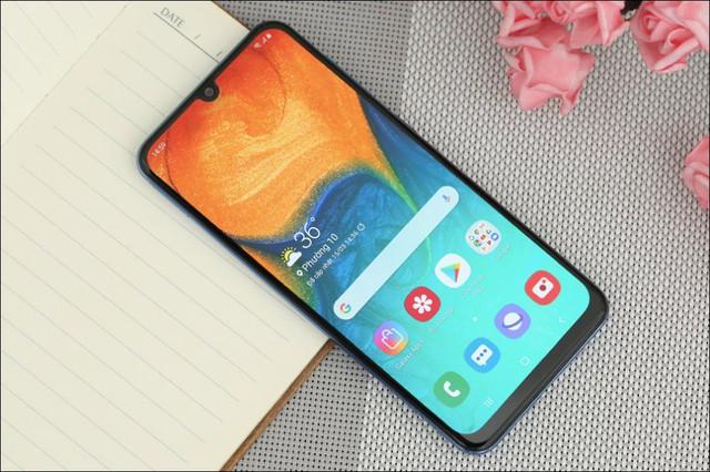 Chân dung 10 smartphone bán chạy nhất tại Việt Nam - Ảnh 7.
