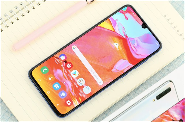 Chân dung 10 smartphone bán chạy nhất tại Việt Nam - Ảnh 8.