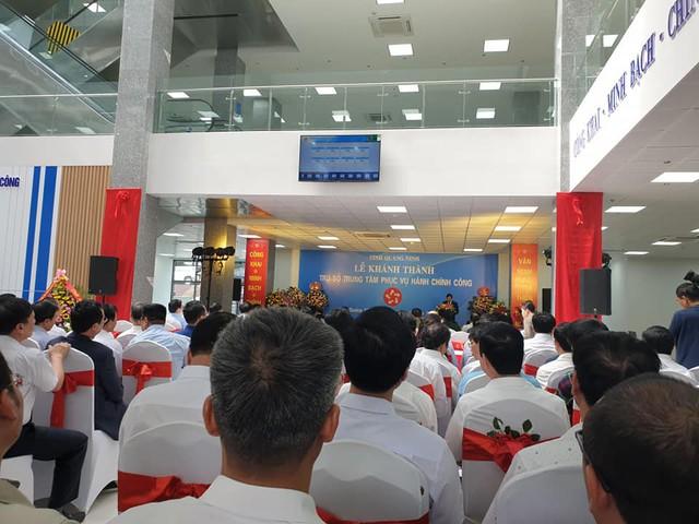 Quảng Ninh đưa trụ sở Trung tâm Phục vụ Hành chính công vào phục vụ người dân, doanh nghiệp - Ảnh 1.