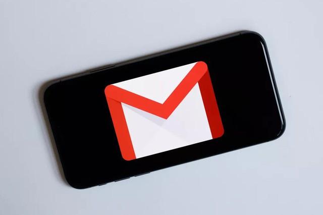Cách chặn các nội dung độc hại từ Gmail trên iPhone, iPad - Ảnh 1.