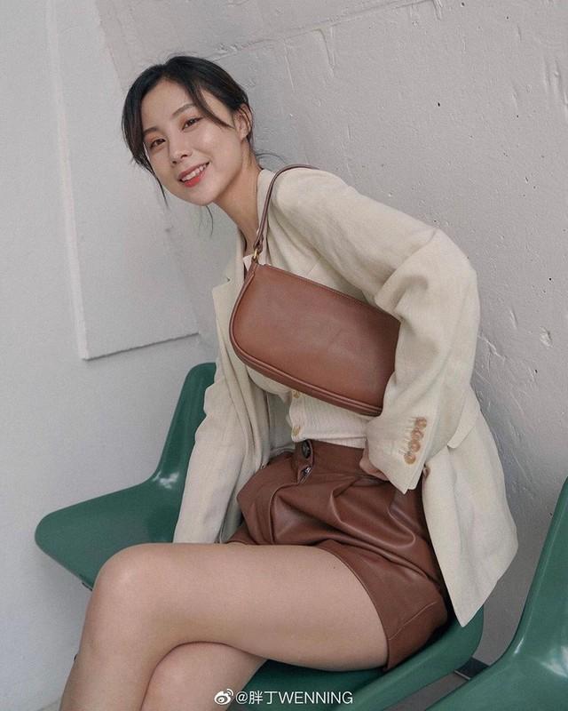 Quần short + blazer: Có cả loạt cách mix đồ giúp chân dài phải biết cho style của các nàng tuổi băm - Ảnh 8.