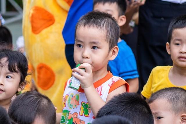 Tháng 9/2019, Bộ Y tế ban hành Thông tư quy định về sữa tươi trong chương trình Sữa học đường - Ảnh 1.
