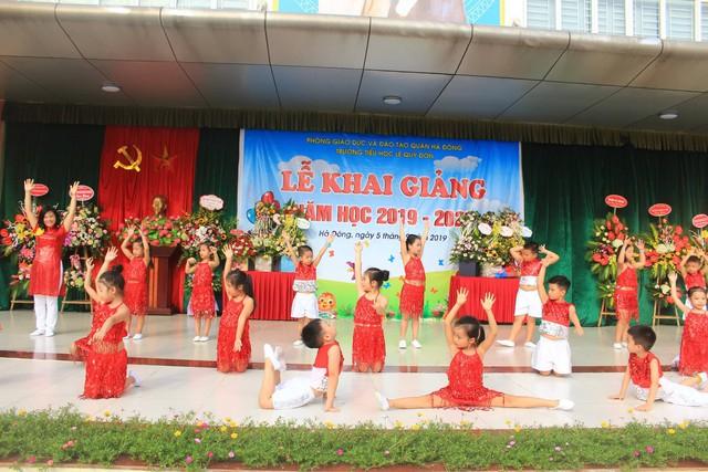 Những màn biểu diễn đặc sắc của các em học sinh Thủ đô trong ngày khai giảng năm học 2019 - Ảnh 7.