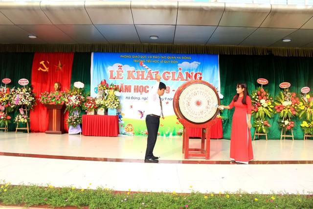 Trường tiểu học Lê Quý Đôn (Hà Đông, Hà Nội) hân hoan chào đón 460 sinh viên đại học chữ to - Ảnh 8.