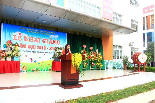Trường tiểu học Lê Quý Đôn (Hà Đông, Hà Nội) hân hoan chào đón 460 sinh viên đại học chữ to - Ảnh 2.