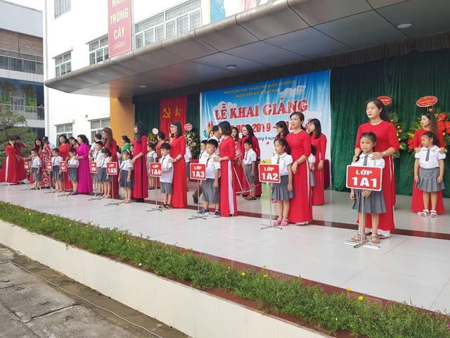 Trường tiểu học Lê Quý Đôn (Hà Đông, Hà Nội) hân hoan chào đón 460 sinh viên đại học chữ to - Ảnh 7.