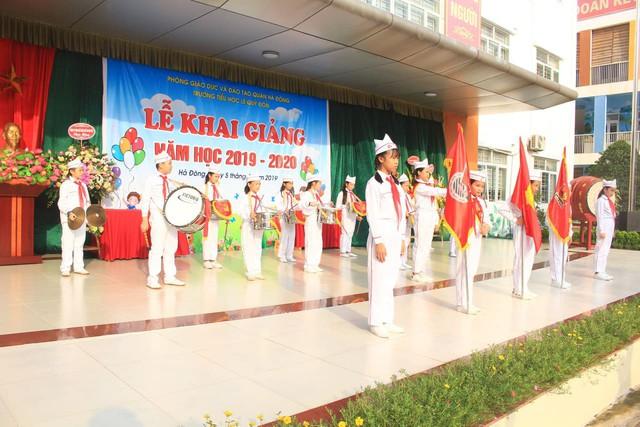 Những màn biểu diễn đặc sắc của các em học sinh Thủ đô trong ngày khai giảng năm học 2019 - Ảnh 9.