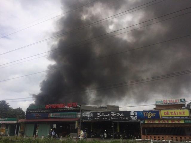 TP.HCM: Cháy lớn, trường mầm non sơ tán ngay ngày khai giảng - Ảnh 1.