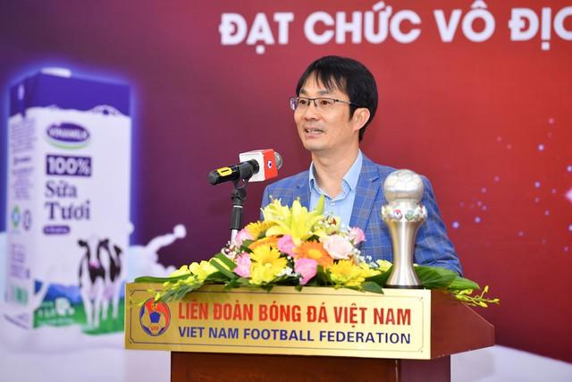 Vinamilk trao thưởng chúc mừng đội tuyển bóng đá nữ Quốc gia vô địch Đông Nam Á 2019 - Ảnh 4.