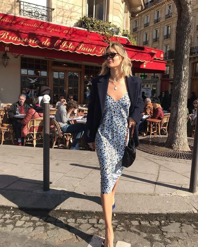 Được phụ nữ Pháp hết mực trọng dụng, 4 kiểu váy xinh mất hồn sau sẽ khiến bạn muốn tậu bằng hết cho tủ đồ - Ảnh 2.