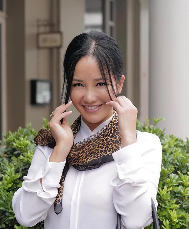 Hậu ly hôn, diva Hồng Nhung chứng tỏ cuộc sống mẹ đơn thân tuyệt vời không cần đến đàn ông - Ảnh 2.