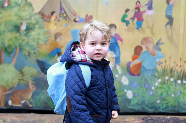 Ngày đầu đến trường của con cháu Nữ hoàng Anh - Ảnh 2.