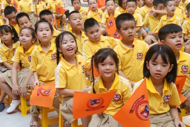 Những màn biểu diễn đặc sắc của các em học sinh Thủ đô trong ngày khai giảng năm học 2019 - Ảnh 2.