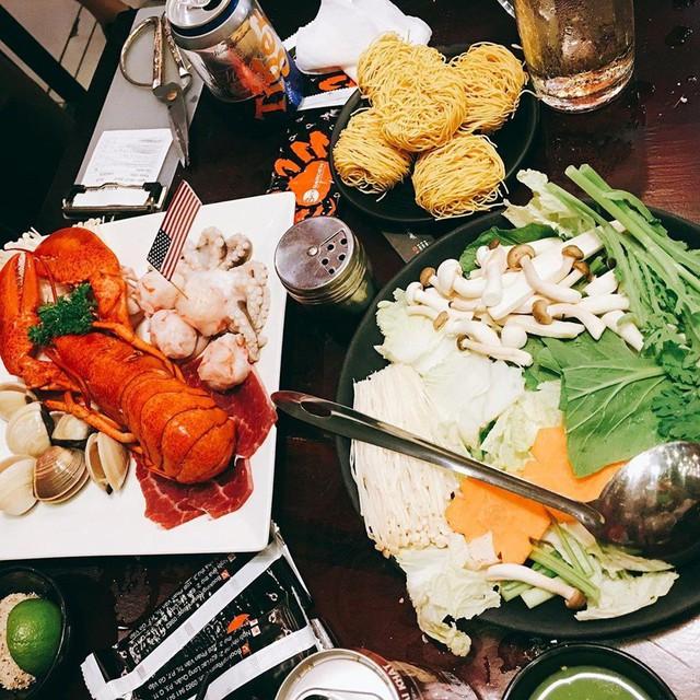 5 quán hải sản tươi ngon ở TP.HCM cho hội bạn thân tụ tập - Ảnh 4.