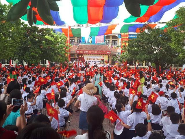 Những màn biểu diễn đặc sắc của các em học sinh Thủ đô trong ngày khai giảng năm học 2019 - Ảnh 6.