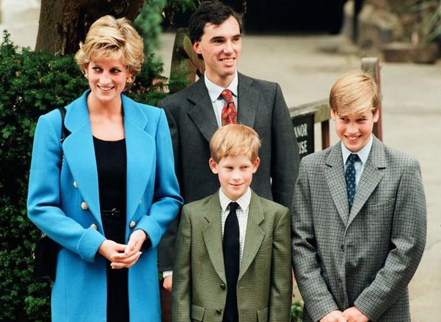 Ngày đầu đến trường của con cháu Nữ hoàng Anh - Ảnh 8.