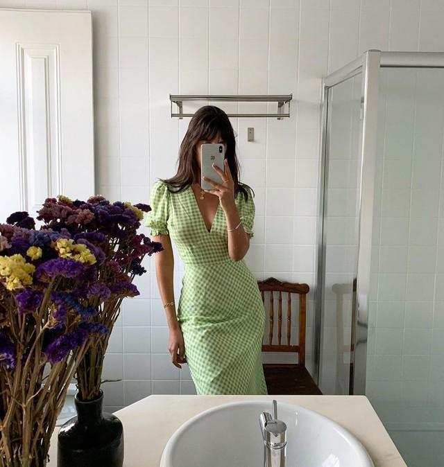 Được phụ nữ Pháp hết mực trọng dụng, 4 kiểu váy xinh mất hồn sau sẽ khiến bạn muốn tậu bằng hết cho tủ đồ - Ảnh 10.