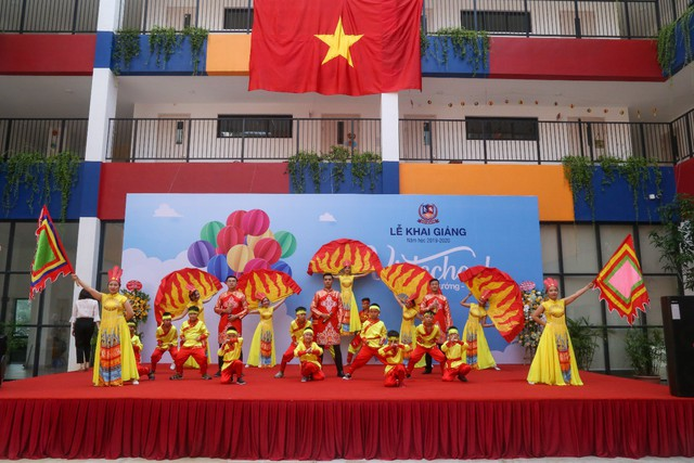 Những màn biểu diễn đặc sắc của các em học sinh Thủ đô trong ngày khai giảng năm học 2019 - Ảnh 12.