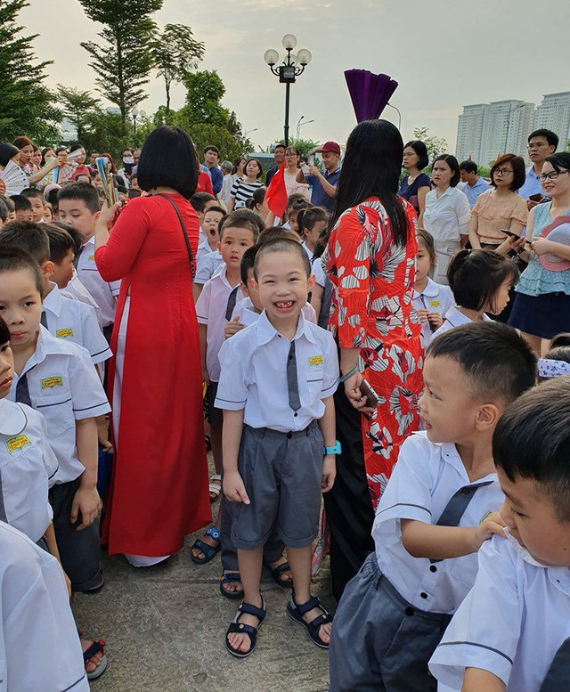 Những màn biểu diễn đặc sắc của các em học sinh Thủ đô trong ngày khai giảng năm học 2019 - Ảnh 10.