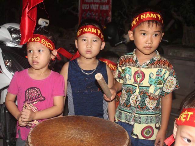 Người dân quê tiếc nuối khi tuyển Việt Nam hòa Thái Lan - Ảnh 8.